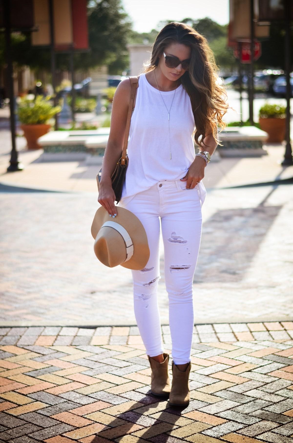 white on white floppy hat hello alley-10