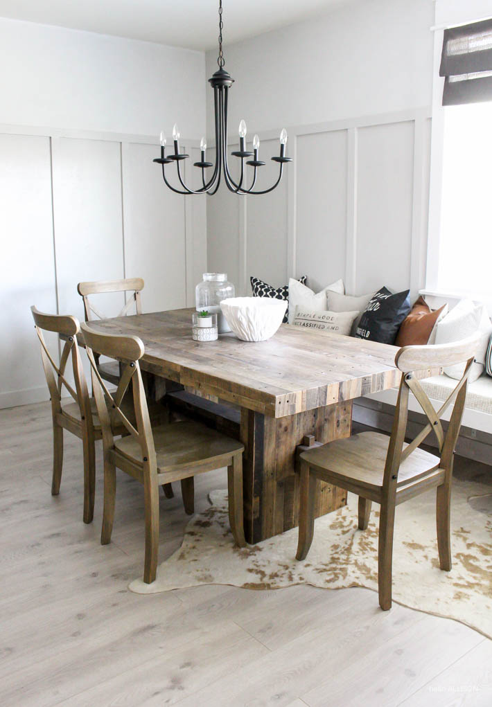 Modern Farmhouse Board & Batten Dining Room | helloALLISONblog.com