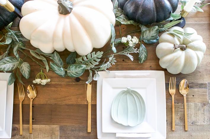 Blue + Green Pumpkin Fall Tablescape | helloallisonblog.com