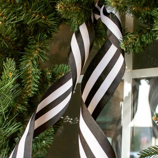 Black and White Christmas Porch | helloallisonblog.com