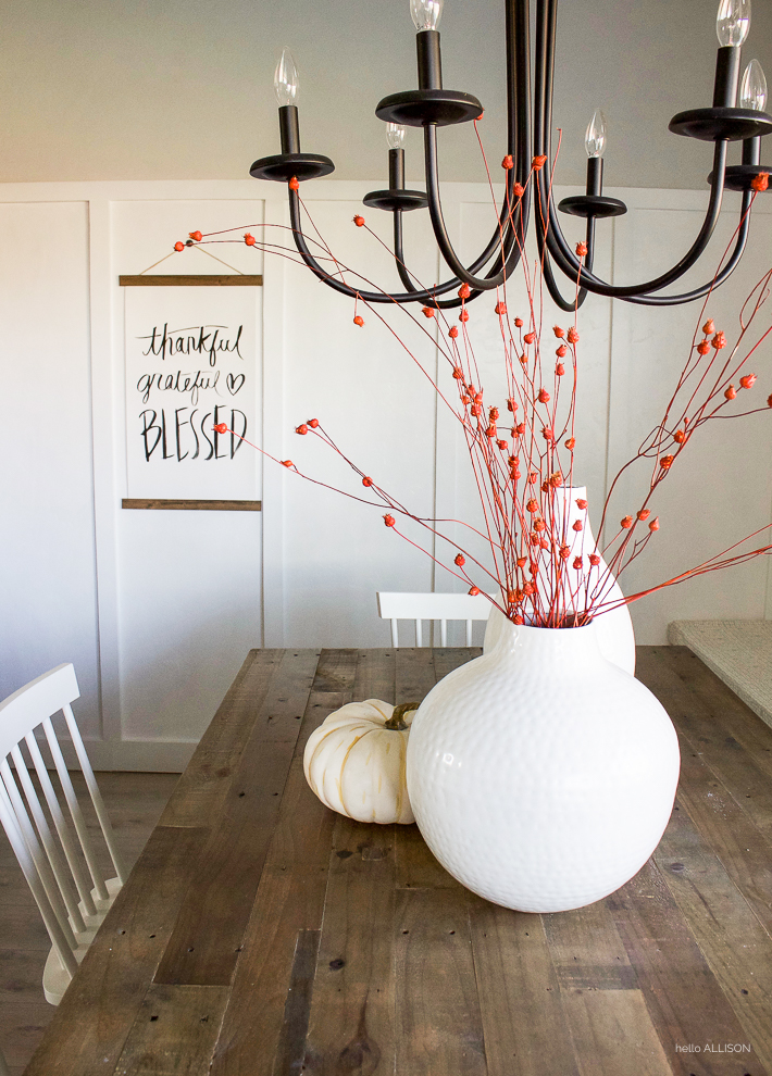 Simple Thanksgiving Decor | helloallisonblog.com