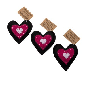 Heart-shaped organic catnip toy for cats
