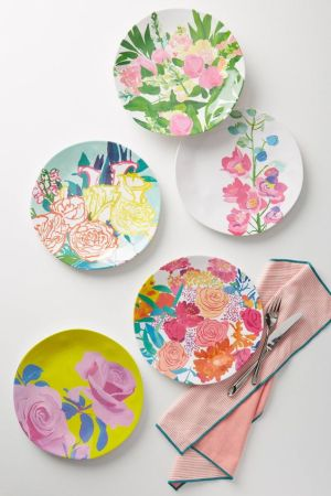 Here are some perfect home decor gifts for Mother's Day. These practical and pretty items serve a purpose while looking gorgeous.