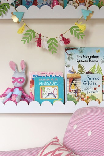 Scalloped Nursery Book Ledges
