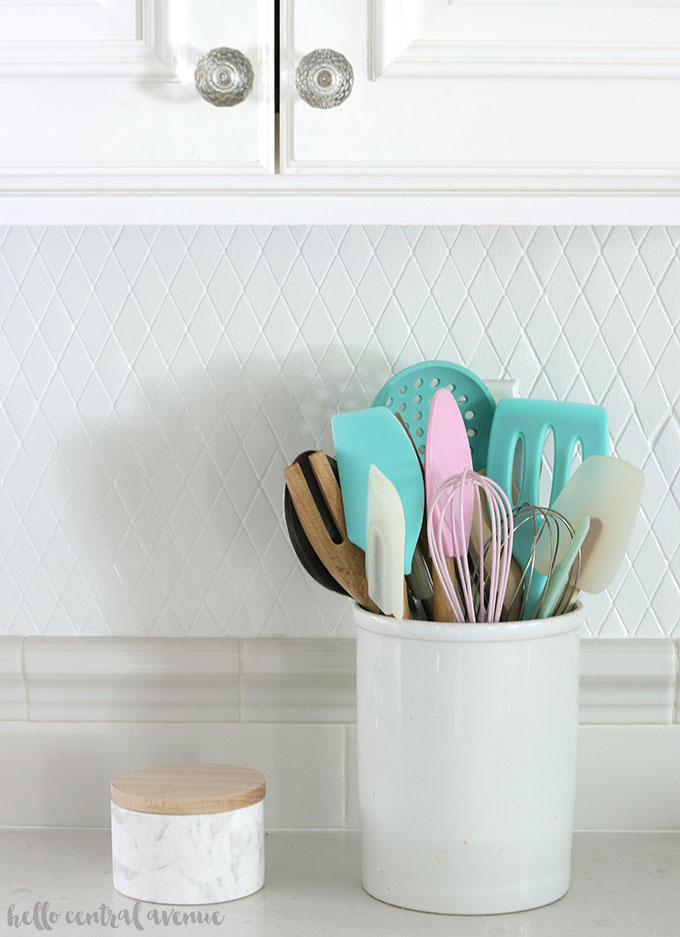Tips & Tricks to an Easily Painted Tile Backsplash