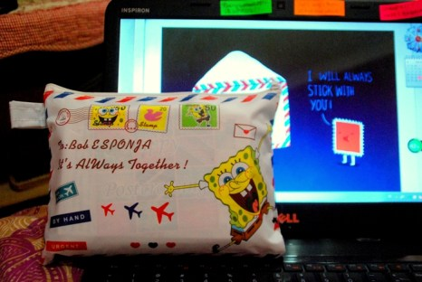A pouch that restores so many postcards.