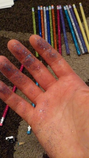 Glitter! normally I dislike the stuff but after sharpening the pencils I found this hilarious