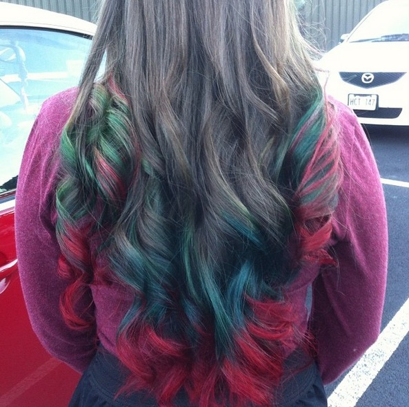 Christmas Themed Hair Color Is Surprisingly Stunning