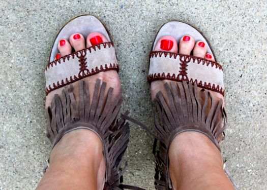 DIY Shoes with Fringe   HelloGlow.co