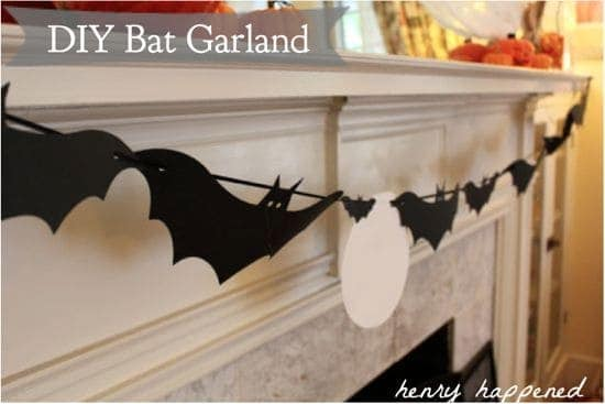 DIY Bat Garland | HelloGlow.co