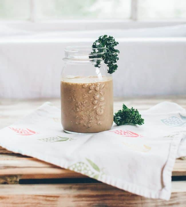 Chocolate Chia Smoothie + 12 More Fast, Easy Smoothie Recipes   HelloGlow.co