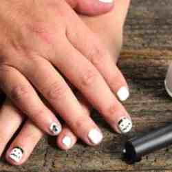 11 Halloween Nails to DIY For