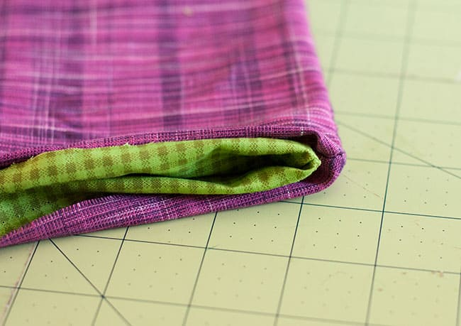 DIY Zipper Clutch | Hello Glow