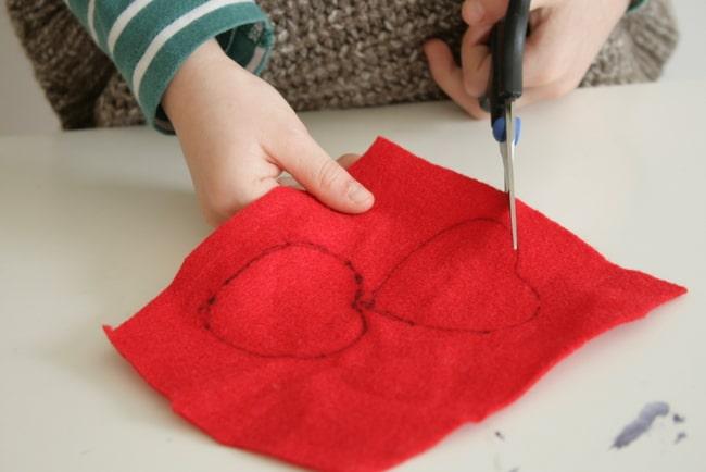 DIY Felt heart pencil topper | Hello Glow