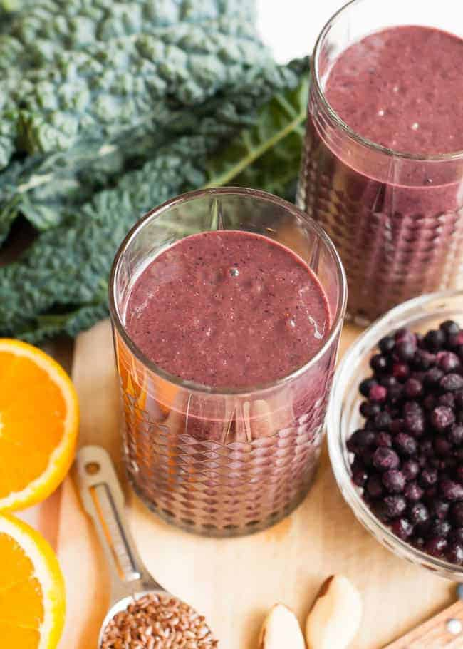 Wrinkle-Fighting Berry Kale Smoothie   HelloGlow.co