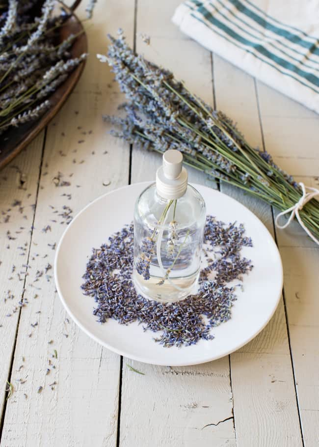 11 Natural Recipes to Help Conquer Insomnia - DIY lavender linen spray