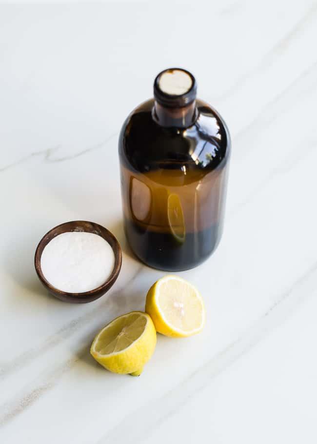 Limone per l'esfoliazione della pelle