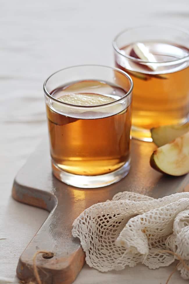 Honey Bourbon Apple Cider Cocktail   HelloGlow.co