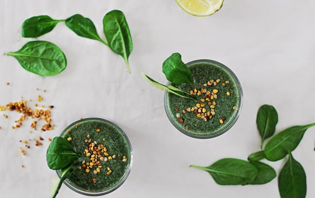 Post-Thanksgiving Green Detox Smoothie | HelloGlow.co