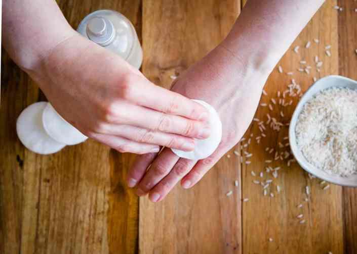2 Rice Milk Recipes That Fade Age Spots + Brighten Skin