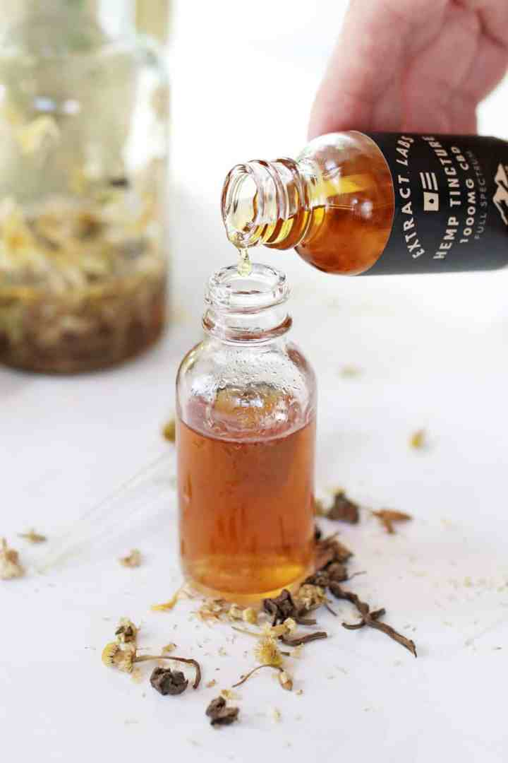 De-Stress With This Relaxing Herbal CBD Tincture