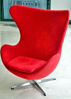 Egg chair by Arne Jacobsen roomsrevamped.com
