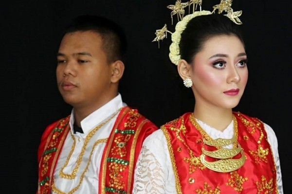 maluku traditional dress
