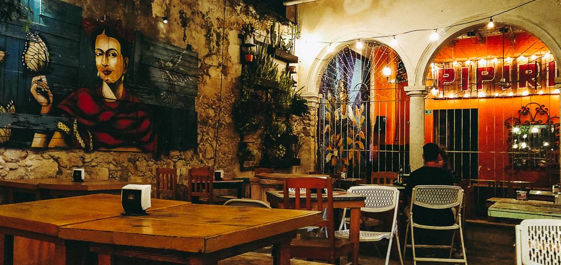 cour intérieure du bar piripipau