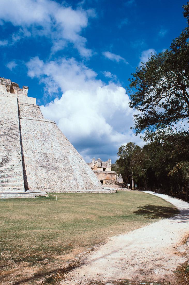 se promener sur le site archéologique d'Uxmal