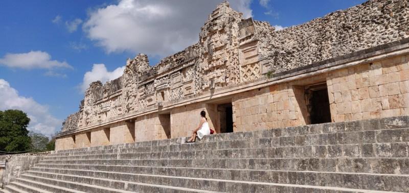 grimper sur les ruines d'Uxmal