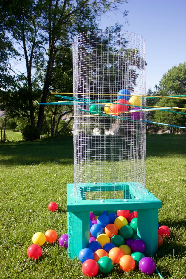 Giant Lawn Game Make It