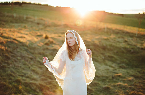 three-sunbeams-bridal-accessories-veil-boho-birdscage-james-frost3