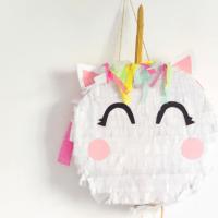 DIY: ¿Cómo hacer una piñata de cumpleaños en forma de unicornio?