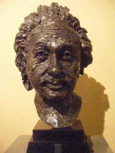 Bust of Albert Einstein (1933). Photo taken in the Victoria and Albert Museum, London.