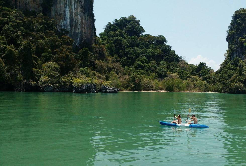 Kayaking Koh Roi | Sailing Holidays | Hello Raya Blog