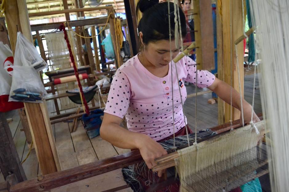 Weaving | Ock Pop Tok | Hello Raya Blog