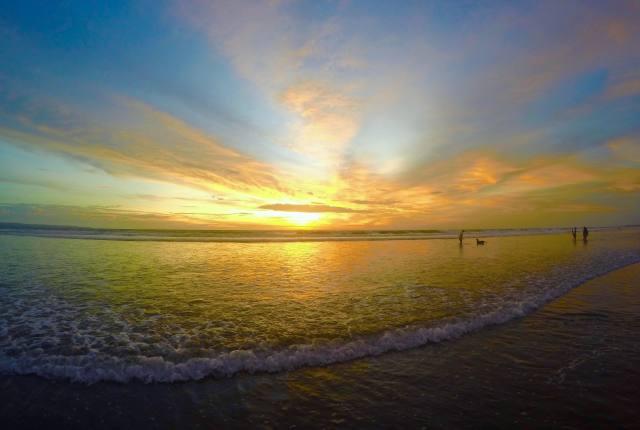 Sunset Seminyak | Sunset in Bali | Hello Raya Blog