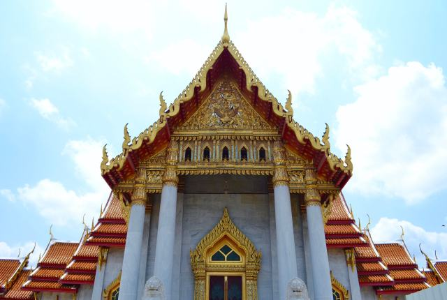 The Marble Temple | 20 Things to do in Bangkok, Thailand | Hello Raya Blog