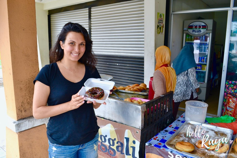 Eating & Drinking in Langkawi - Donut Terhangat | Hello Raya Blog
