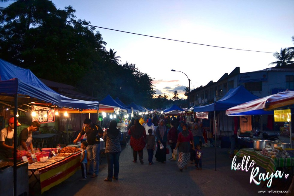 Eating & Drinking in Langkawi - Ayer Hangat Night Market | Hello Raya Blog