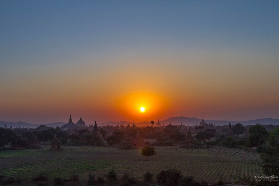 Ultimate Southeast Asia Bucket list - Sunset Bagan | Hello Raya Blog