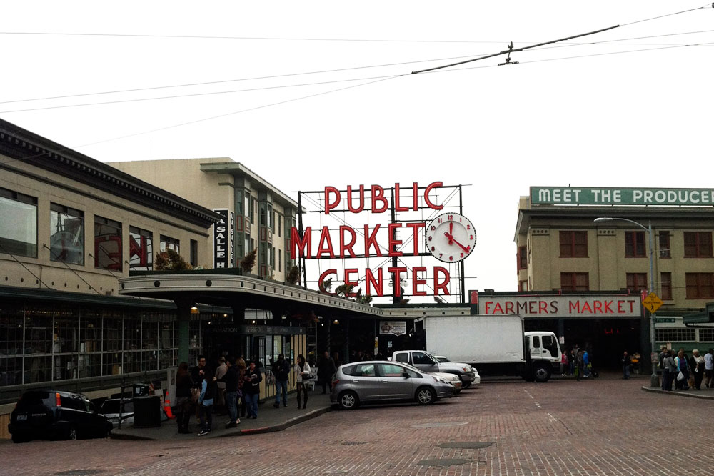 Pike Place Market Seattle / Visit Seattle: Eat, Shop, Do / hellorigby seattle fashion & lifestyle blog