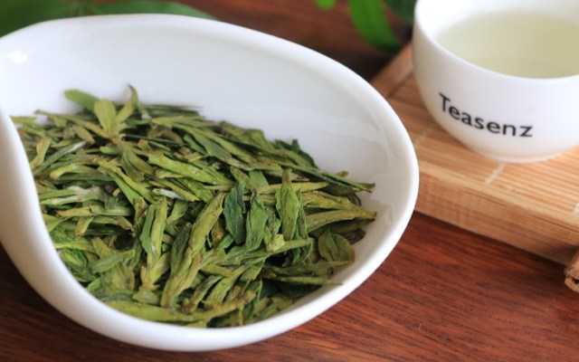 What is the Best Cheese to go with a Cup of Longjing Tea?