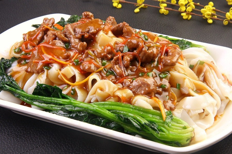 Wet Fried Rice Noodles with Beef Shi Chao Niu He 湿炒牛河