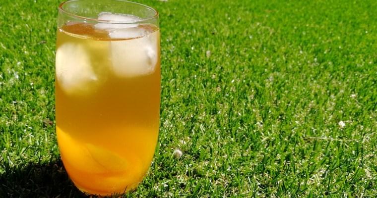 DIY Iced Peach Jasmine Green Tea Recipe for This Summer!
