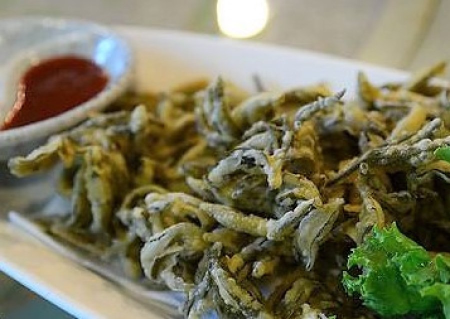 Fried Tea Leaves With Egg White And Cornstarch