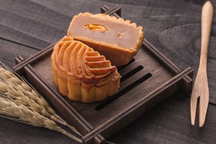 guangdong style mooncake