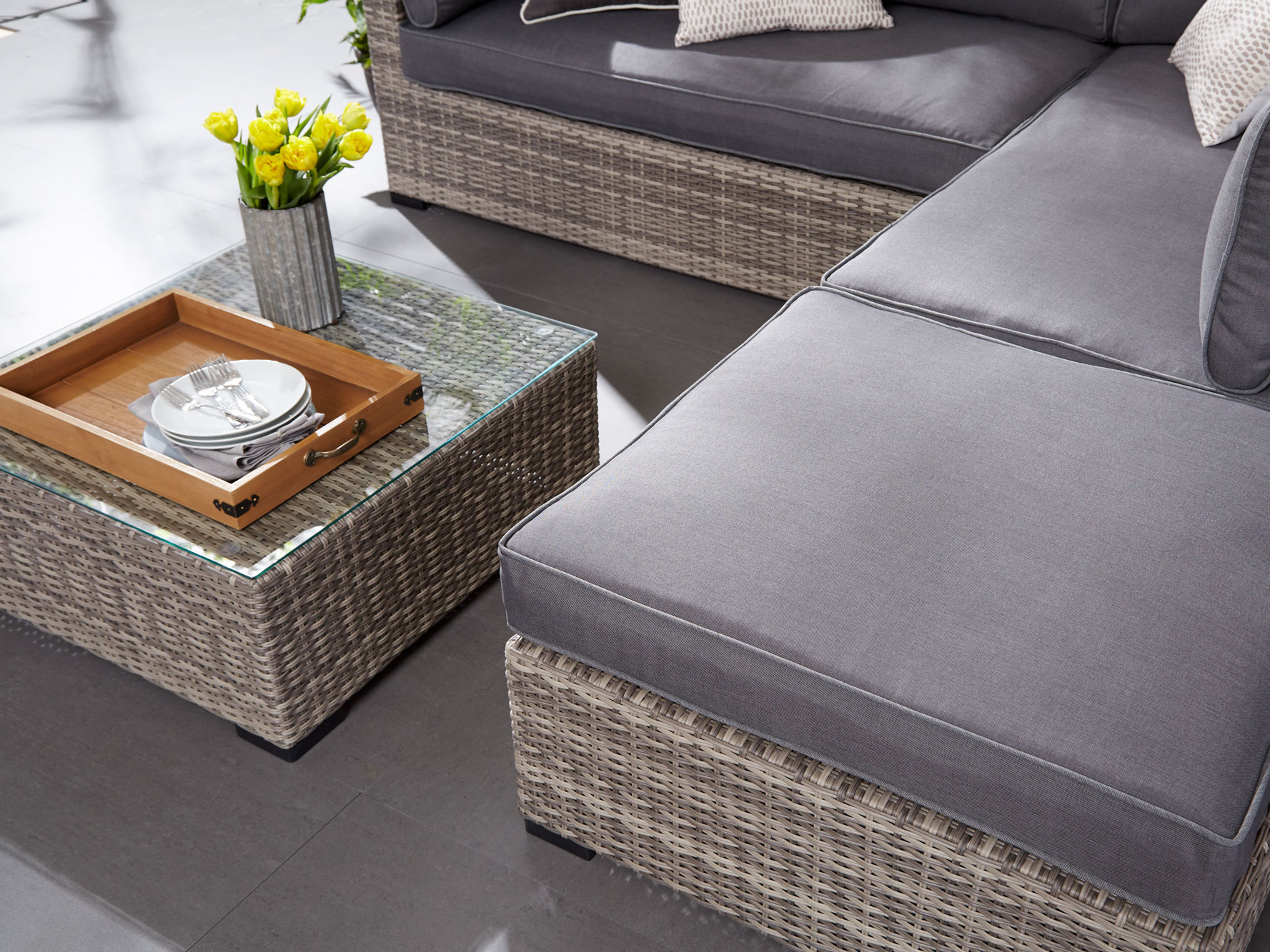 how to set up your patio furniture so