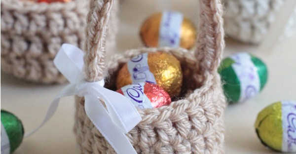 Mini Easter Eggs Basket