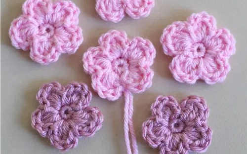 CROCHET: How to crochet a rose/flower | Bella Coco - YouTube | 312x500